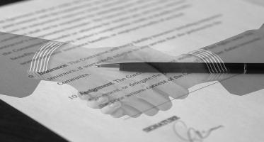 umowa o zwolnienie dłużnika od obowiązku świadczenia, zgoda wierzyciela