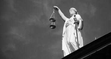 Zobowiązanie organu administracyjnego przez sąd do rozstrzygnięcia sprawy w określony sposób